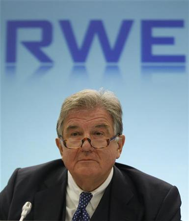 Juergen Grossmann, chief executive of German power supplier RWE, listens during the company's annual news conference in the German town of Essen February 24, 2011. REUTERS/ Ina Fassbender