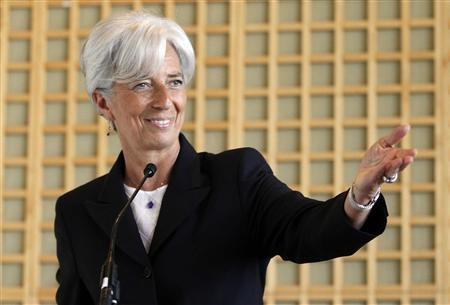 France's Finance Minister Christine Lagarde announces her candidacy to head the IMF during a press conference in Paris, May 25, 2011. REUTERS/Jacky Naegelen