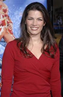Cast member Nancy Kerrigan attends the Los Angeles premiere of ''Blades of Glory'' held at the Mann's Chinese Theater in Hollywood, California March 28, 2007. REUTERS/Phil McCarten