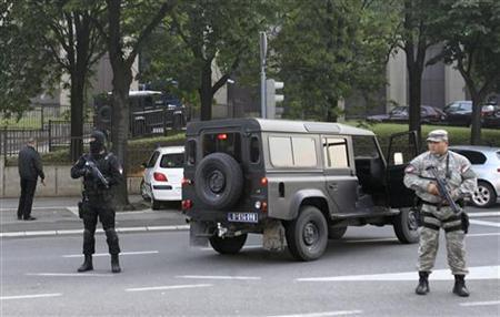 Serbian Gendarmerie soldiers stand guard in front of the Special Court after accused war criminal Ratko Mladic arrived in Belgrade May 31, 2011. REUTERS/Stringer
