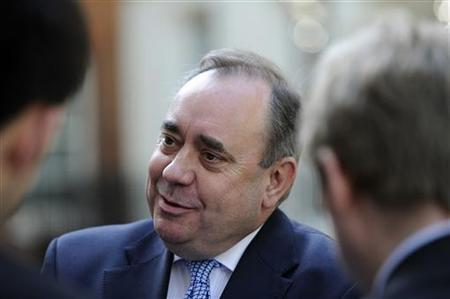 Scotland's First Minister Alex Salmond speaks to members of the media after his meeting at Number 10 Downing Street in London June 8, 2011 REUTERS/Paul Hackett