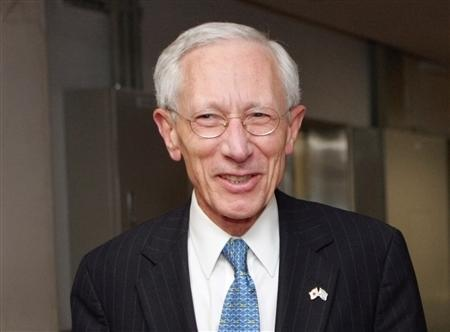 Israel's central bank governor Stanley Fischer visits the Finance Ministry in Tokyo in this February 7, 2007 file photo. REUTERS/Toshiyuki Aizawa/Files