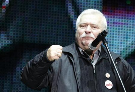 Lech Walesa, former Polish president and founder of the Solidarity trade union, gestures as he speaks during a multimedia performance at Gdansk Shipyard in this August 31, 2010 file photo. REUTERS/Peter Andrews