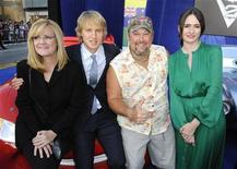 "<p>Actors Bonnie Hunt (L-R), Owen Wilson, Larry the Cable Guy and Emily Mortimer, who all voice characters of the film "" Cars 2"", arrive for the premiere of the movie in Hollywood, California, June 18, 2011. REUTERS/Gus Ruelas</p>"