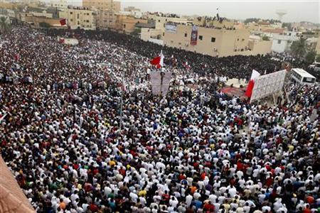 Tens of thousands of Bahraini Shi'ite protesters gather at a rally in the village of Diraz, West of Manama July 1, 2011.REUTERS/Hamad I Mohammed