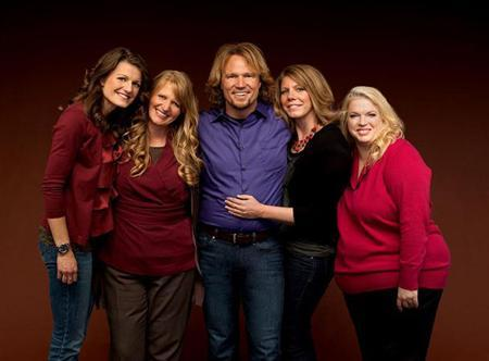 Kody Brown with sister wives (L to R) Robyn, Christine, Meri and Janelle. REUTERS/TLC/George Lange