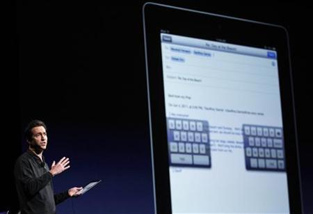 Scott Forstall, Senior Vice President of iOS Software at Apple Inc., talks about iOS5 for the iPhone at the Apple Worldwide Developers Conference in San Francisco, California, June 6, 2011. REUTERS/Beck Diefenbach