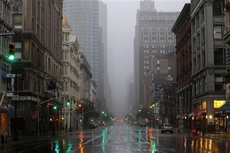 Sixth Avenue stands virtually deserted in Manhattan as Hurricane Irene closed in on the New York City area August 28, 2011. REUTERS/Mike Segar