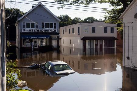 Flood waters remain several feet deep in Wayne, New Jersey August 30, 2011. REUTERS/Lucas Jackson