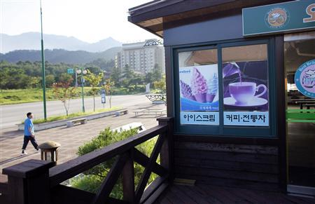 A man walks past an empty shopping area of the Mount Kumgang resort in Kumgang August 31, 2011. REUTERS/Carlos Barria