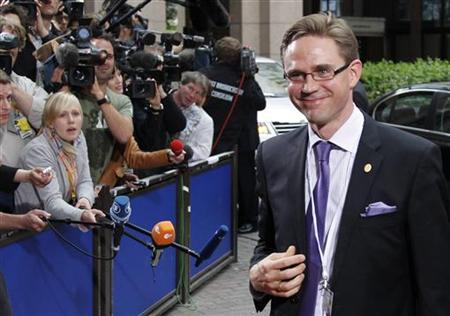 Finnish Prime Minister Jyrki Katainen arrives at an European Union leaders summit in Brussels June 23, 2011. REUTERS/Francois Lenoir
