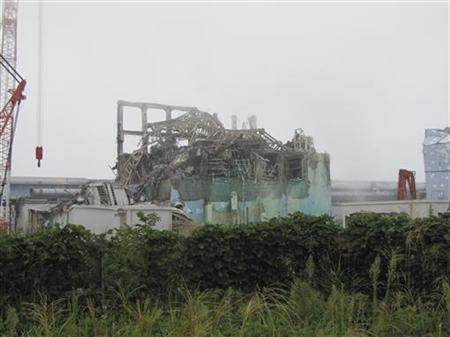 Reactor building cover of unit 3 of the tsunami-crippled Fukushima Daiichi nuclear power plant in Fukushima prefecture, is seen in this handout picture taken on September 15, 2011. Photo taken September 15, 2011 REUTERS/Tokyo Electric Power Co/Handout