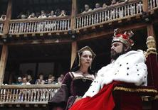 <p>Actors Dominic Rowan (R) and Kate Duchene perform as Henry VIII and Queen Katherine in Shakepeare's Henry VIII at the Globe theatre in London July 6, 2010. REUTERS/Luke MacGregor</p>