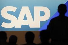 <p>La hausse des résultats du troisième trimestre de SAP, numéro un mondial des logiciels d'entreprise, est plus marquée que prévu. Au cours du troisième trimestre, le groupe a enregistré un chiffre d'affaires de 3,41 milliards d'euros. /Photo d'archives/REUTERS/Alex Domanski</p>