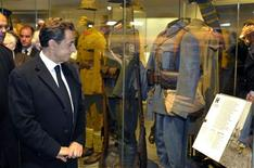<p>France's President Nicolas Sarkozy inaugurates the WWI museum in Meaux as part of ceremonies marking the anniversary of the end of the First World War, November 11, 2011. REUTERS/Philippe Wojazer</p>