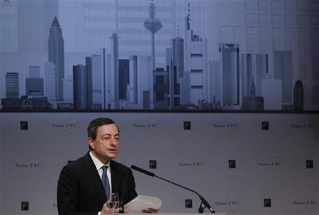 European Central Bank (ECB) President Mario Draghi holds his speech during the European Banking Congress 2011 in Frankfurt November 18, 2011. REUTERS/Alex Domanski