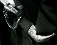 <p>A Sikh ceremonial dagger, known as a kirpan, is seen during a news conference on Parliament Hill in Ottawa March 2, 2006. REUTERS/Chris Wattie</p>