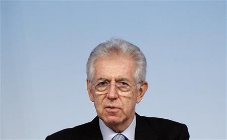 Italy's Prime Minister Mario Monti speaks during a news conference at Chigi Palace in Rome December 15, 2011. REUTERS/Tony Gentile