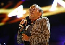 <p>Foto de archivo del cantautor italiano Lucio Dalla durante un concierto en la localidad de Floriana en Malta, jul 9 2011. Lucio Dalla, uno de los cantautores italianos más conocidos, murió el jueves en la localidad suiza de Montreaux a los 68 años de un infarto. REUTERS/Darrin Zammit Lupi</p>