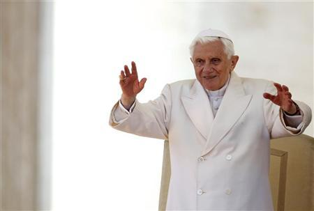 Pope Benedict XVI waves during his Wednesday general audience in Saint Peter's Square at the Vatican March 14, 2012. REUTERS/Tony Gentile