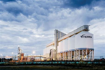 A Viterra facility is seen in Outer Harbour, Australia in an undated handout photo. Commodities trader Glencore, backed by partners Richardson International and Agrium Inc, has agreed to buy Canada's Viterra in a cash deal valuing the country's largest grain handler at C$6.1 billion. REUTERS/Viterra/Handout