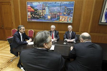 Greece's newly appointed Prime M inister Antonis Samaras (L), Leader of the Democratic Left party Fotis Kouvelis (C), Greece's National Bank chairman Vassilis Rapanos (rear R), Finance Minister George Zanias (R) and leader of Socialist PASOK party Evangelos Venizelos take part in a meeting at the parliament in Athens June 20, 2012. REUTERS/Yorgos Karahalis
