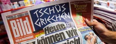 """<p>Un exemplaire du Bild, le plus vendu des journaux allemands, a été envoyé gratuitement samedi à presque tous les 41 millions de foyers allemands, pour fêter le 60e anniversaire du quotidien. L'opération a été homologuée par le Guinness World Records comme le record mondial de """"tirage hors-série gratuit"""" pour un journal. /Photo d'archives/REUTERS/Thomas Peter</p>"""