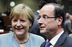 <p>La chancelière allemande Angela Merkel rencontrera mercredi soir à Paris le président François Hollande pour préparer le sommet européen de jeudi et vendredi. /Photo prise le 23 mai 2012/REUTERS/François Lenoir</p>