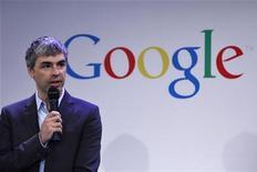<p>Le directeur général de Google Larry Page a rassuré les employés de l'entreprise au sujet de sa santé, mais le géant de la recherche sur internet a livré peu de détails sur la mystérieuse extinction de voix de son dirigeant, qui devrait le tenir à l'écart de toute activité publique pendant plusieurs semaines. /Photo prise le 21 mai 2012/REUTERS/Eduardo Munoz</p>