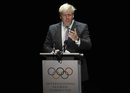 Mayor of London Boris Johnson recites a poem at the opening of the 124th IOC session at the Opera House in London July 23, 2012. REUTERS/Paul Hackett