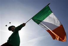 <p>L'Irlande a annoncé mardi des recettes fiscales supérieures aux prévisions sur les huit premiers mois de l'année qui la placent en bonne voie pour atteindre ses objectifs de réduction du déficit. /Photo d'archives/REUTERS/Stefan Wermuth</p>