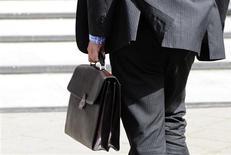 <p>Le secteur privé américain a créé plus d'emplois que prévu en septembre mais moins qu'en août, montre l'enquête mensuelle du cabinet privé ADP publiée mercredi. /Photo d'archives/REUTERS/Toby Melville</p>
