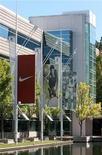 <p>Nike va céder à Iconix Brand sa marque Umbro pour un montant de 225 millions de dollars (174 millions d'euros). /Photo d'archives/REUTERS/Richard Clement</p>