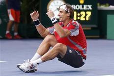 """<p>Cinquième joueur mondial, l'Espagnol David Ferrer a attendu d'être trentenaire pour réaliser ce qu'il qualifie lui-même de """"meilleure saison"""" de sa carrière et pour remporter son premier grand titre au Masters 1000 de Paris-Bercy. /Photo prise le 4 novembre 2012/REUTERS</p>"""