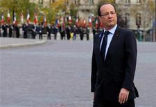"""<p>Avec sa première grande conférence de presse du quinquennat, François Hollande tentera mardi de reconquérir les Français et de répondre aux doutes d'une opinion qu'il juge """"extrêmement stressée"""". /Photo prise le 11 novembre 2012/REUTERS/Philippe Wojazer</p>"""