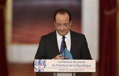 """<p>Lors de la première grande conférence de presse de son quinquennat, mardi à l'Elysée, François Hollande a pris acte des """"doutes"""" et des inquiétudes des Français face à la situation """"grave"""" du pays et souligné que son impopularité actuelle ne remettrait pas en cause sa volonté de redressement. /Photo prise le 13 octobre 2012/REUTERS/Philippe Wojazer</p>"""