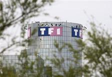 <p>TF1 et le groupe de communication américain Discovery Communications sont en négociations exclusives sur une alliance stratégique centrée sur la chaîne Eurosport, la télévision payante en France ainsi que la production de contenus. /Photo d'archives/REUTERS/Charles Platiau</p>