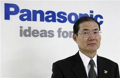 <p>El responsable de Finanzas de Panasonic, Hideaki Kawai, en la sede de la firma en Kadoma, Japón, nov 14 2012. El negocio de pantallas de Panasonic va camino a conseguir sus primeros beneficios en cinco años en el trimestre enero-marzo, impulsado por ventas más fuertes de pantallas de cristal líquido para tabletas y computadoras, dijo el jueves en una entrevista el jefe de la división. REUTERS/Reiji Murai</p>