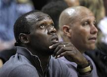 <p>Le Jamaïcain Usain Bolt, sextuple champion olympique, tentera d'améliorer l'an prochain les records du monde des 100 et 200m qu'il détient depuis les championnats du monde de Berlin de 2009. /Photo prise le 30 octobre 2012/REUTERS/Andrew Innerarity</p>