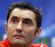 <p>Valence a trouvé un accord avec Ernesto Valverde, qui va succéder au poste d'entraîneur du club espagnol à Mauricio Pellegrino, limogé samedi. /Photo d'archives/REUTERS/Jean-Paul Pélissier</p>