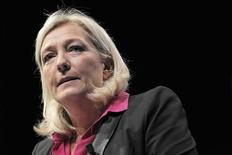 <p>Marine Le Pen affirme que le Front national enregistre un afflux d'adhésions grâce à la crise provoquée par l'élection contestée à la présidence de l'UMP. /Photo prise le 23 septembre 2012/REUTERS/Stéphane Mahé</p>