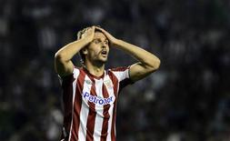 <p>L'attaquant espagnol Fernando Llorente a lancé un appel du pied aux grands clubs européens mardi en annonçant son départ en fin de saison de l'Athletic Bilbao, où son contrat expire en juin. /Photo prise le 20 septembre 2012/REUTERS/Vincent West</p>