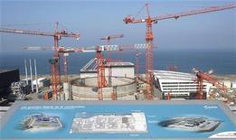 <p>Le groupe italien Enel a mis un terme à sa coopération avec EDF sur le projet de réacteur nucléaire EPR en France, point final d'un partenariat entamé en novembre 2007. /Photo d'archives/REUTERS/Benoît Tessier</p>