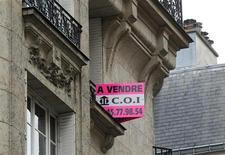 <p>Selon l'édition de mercredi des Echos, le gouvernement français projette d'alourdir de 3% à 5%, à compter de 2014, la fiscalité des plus-values immobilières (foncier bâti) supérieures à 100.000 euros. /Photo d'archives/REUTERS/Mal Langsdon</p>