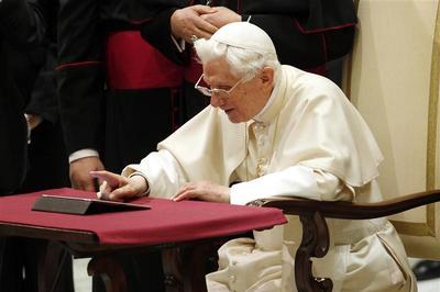 The pope @pontifex