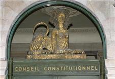 <p>Le Conseil constitutionnel a validé l'essentiel de la loi de financement de la Sécurité sociale pour 2013 mais a annulé la taxe sur les boissons énergisantes. /Photo d'archives/REUTERS/Charles Platiau</p>