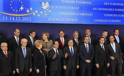 <p>Les Vingt-Sept se sont retrouvés à Bruxelles pour tenter de s'entendre sur un programme de renforcement de l'intégration de l'Union européenne, dans un climat apaisé par l'accord conclu dans la nuit sur un mécanisme de supervision bancaire. /Photo prise le 13 décembre 2012/REUTERS/Yves Herman</p>
