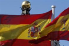 <p>La structure de défaisance bancaire espagnole censée assainir un secteur plombé par des créances immobilières douteuses commence à prendre forme alors que l'Etat espagnol a pris le contrôle d'une huitième banque depuis le début de la crise. /Photo d'archives/REUTERS/Sergio Perez</p>