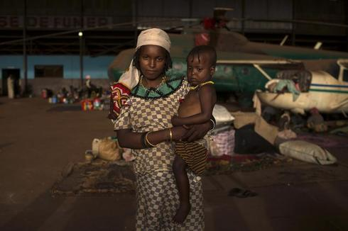Portraits of displaced mothers