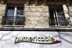 Vivendi est réuni ce vendredi pour examiner les offres de rachat de sa filiale télécoms SFR, pour laquelle Numericable a eu les faveurs de son comité ad hoc, selon deux sources proches du dossier interrogées par Reuters. /Photo prise le 7 mars 2014/REUTERS/Charles Platiau